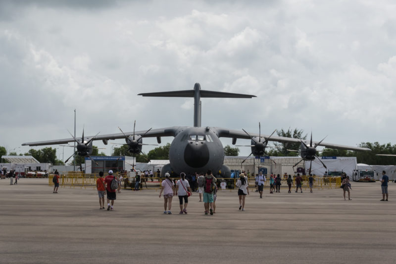 The departure of USAF C-17 makes the RMAF A400M the military largest aircraft on display during the public days.