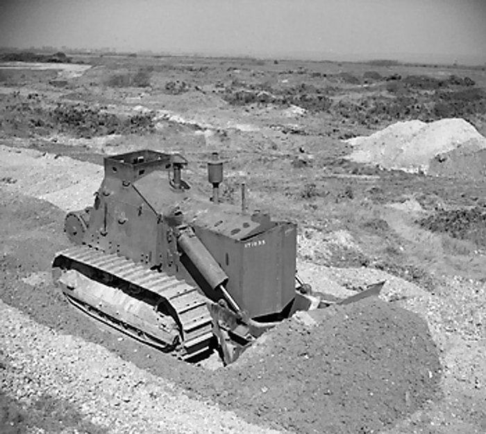 D-7_Armoured_Bulldozer